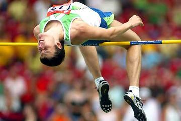 Ivan Ukhov jumping at the 2006 IAAF World Athletics Final in Stuttgart (Mark Shearman)