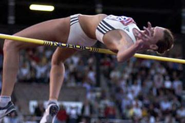 Hestrie Cloete clears 2.01 in Stockholm (Johan Frick-Meijer)