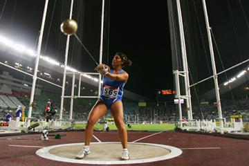 Clarissa Claretti of Italy competes during the Women's Hammer Throw Final (Getty Images)