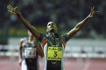 Felix Sanchez wins IAAF Golden League Jackpot (Getty Images Allsport)