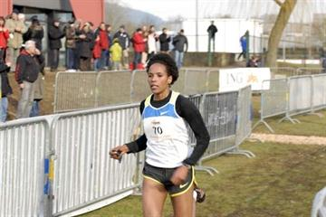 Mimi Belete comes home to a comfortable victory at the 2009 Eurocross (Rosch Kohl)