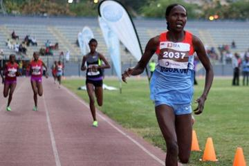 Kenya's Priscah Jeptoo winning in Luanda on 2 January 2013 (Filipe Oliveira / Atleta-Digital)
