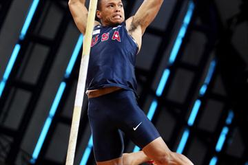 Bryan Clay of USA in action during the Heptathlon Pole Vault (Getty Images)