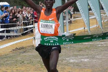 Leonard Komon takes a big win in Seville (Miguel Alfambra)