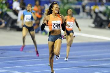Sanya Richards-Ross winning the 400m at the 2015 Jamaica International Invitational in Kingston (organisers / Errol Anderson)