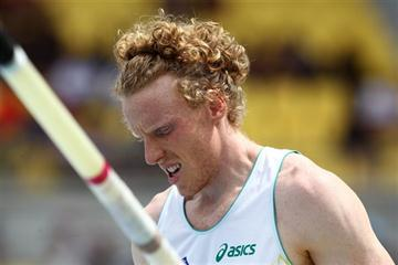 World and Olympic champion Steve Hooker exits from Daegu (Getty Images)