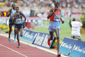 Asbel Kiprop wins the 1500m from Mo Farah at the IAAF Diamond League meeting in Monaco (AFP / Getty Images)