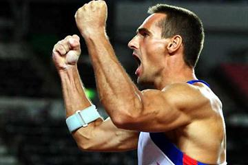 Roman Sebrle roars his spear away in the Decathlon (Getty Images)
