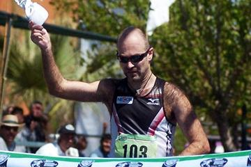 Trond Nymark of Norway wins the 50km in Chihuahua in the Challenge race in 2009 (Alex Aguirre)
