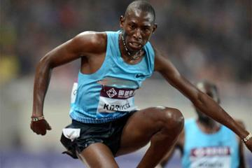 Conseslus Kipruto on his way to victory in the 3000m Steeplechase at the Shanghai Diamond League (Jiro Mochizuki)