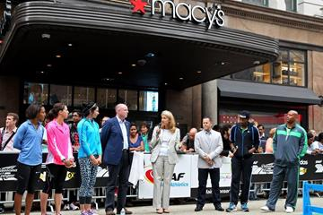 Chavanne Hanson (Nutrition Communications Manager, Nestlé USA) speaking at the IAAF / Nestlé Kids' Athletics event in New York, June 2014, with Spencer Nel (adidas Head of Global Sports Marketing Running/Track and Field - right) and the elite athletes (Victah Sailer / IAAF )