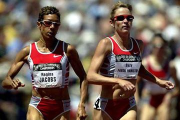 Regina Jacobs in the 1500m final at the 2003 US Nationals (Getty Images)