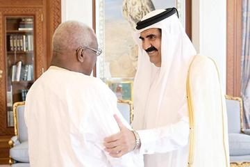 IAAF President Lamine Diack meets HH the Emir of Qatar afer the 2013 IAAF Diamond League meeting in Doha ()