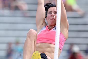 Jenn Suhr on her way to victory at the 2013 US Championships (Getty Images)