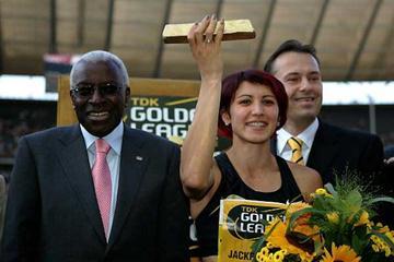 IAAF President Lamine Diack , Tatyana Lebedeva, Jean-Paul Eekhout (Getty Images)