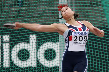 Shaunagh Brown of Great Britain during the Girls' Discus Throw (Getty Images)