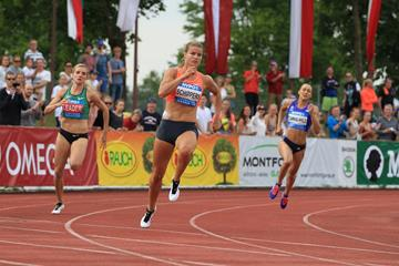 (l-r) Brianne Theisen Eaton, Dafne Schippers and Jessica Ennis-Hill in the 200m at the 2015 Hypo-Meeting in Gotzis (Jean-Pierre Durand)