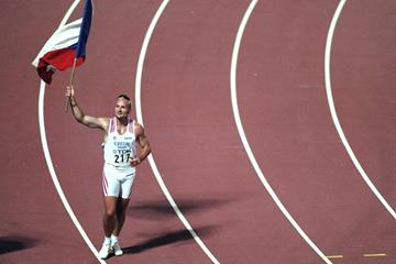 Tomas Dvorak after winning the 1997 world decathlon title in Athens (Getty Images)