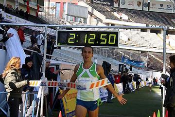 Winner of Istanbul Eurasia Marathon - Lithuania's Mindaugas Pukstas (c)