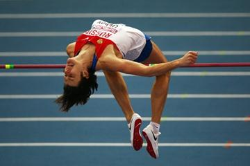 Ivan Ukhov is unchallenged in his quest for European Indoor gold as he sails over 2.32m with ease (Getty Images)