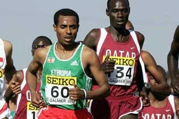 Kenenisa Bekele (left) and Jamal Salem (right) - short race (Getty Images)