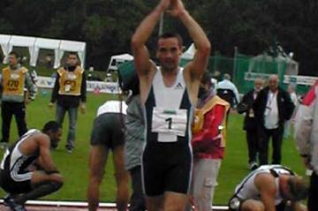 Roman Sebrle celebrates success in Talence (Vazel)