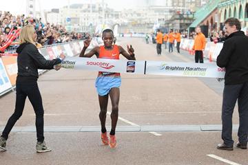 William Chebor sets a course record at the 2014 Brighton Marathon (Mark Shearman)