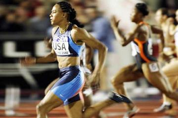 Marion Jones in action in the Women's 100m World Cup race (Getty Images)