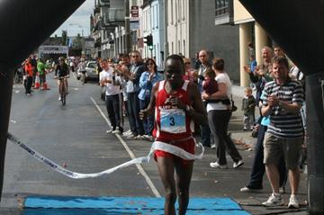 Collen Makaza of Zimbabwe, the 2010 IAU 50Km champion (Jan Vandendriessche)