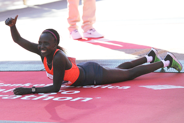 Florence Kiplagat after winning the Chicago Marathon (Getty Images)