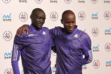 Dennis Kimetto and Patrick Makau ahead of the 2015 Fukuoka Marathon (Ken Nakamura)