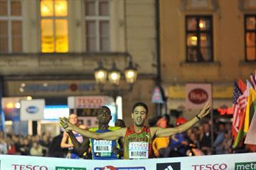 Mourad Marofit edges Dickson Marwa in the Prague 10Km (organisers)