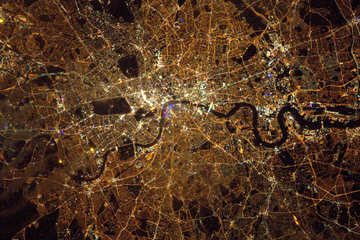 London From Space Peake ()