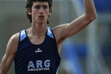 German Chiaraviglio of Argentina celebrates winning the pole vault (Getty Images)