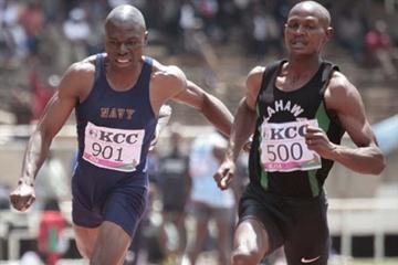 Kenya's latest sprint sensation Kipkemei Soi (right) of Kahawa Garrison wins the 100m ahead of national champion Thomas Masinde of the Kenya Navy (left) at the Kenya Armed Forces Athletics Championships in Nairobi (MOHAMMED AMIN/DAILY NATION)