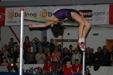 Near miss at a 2.44m World indoor record by Ivan Ukhov in Hustopece (Hustopece organisers)
