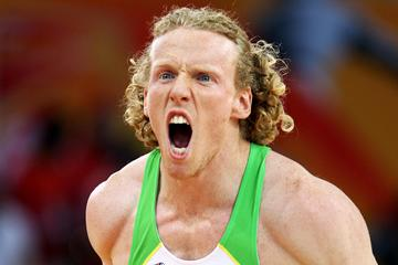 Steven Hooker of Australia celebrates his gold medal in the Pole Vault (Getty Images)