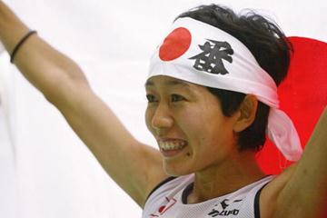 Mizuki Nogushi of Japan celebrates winning silver in the women's marathon (Getty Images)