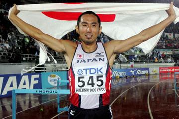 Dai Tamesue of Japan celebrates winning bronze in the 400m Hurdles (Getty Images)