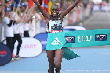 Joyceline Jepkosgei wins the Karlovy Vary Half Marathon (Giancarlo Colombo / organisers)