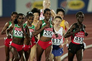 Tirunesh Dibaba and Berhane Adere in action in the women's 10,000m final (Getty Images)
