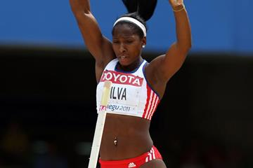 Cuba's Yarisley Silva in action in the Pole Vault at the 2011 World Championships (Getty Images)