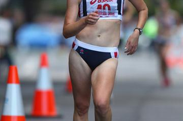 Claire Tallent en route to another Australian 20Km Race Walking title in Hobart (Getty Images)
