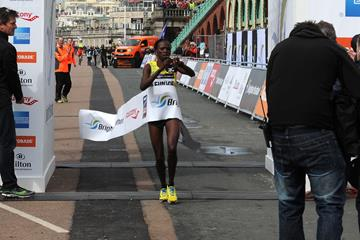 Eunice Kales wins the 2013 Brighton Marathon (Organisers)
