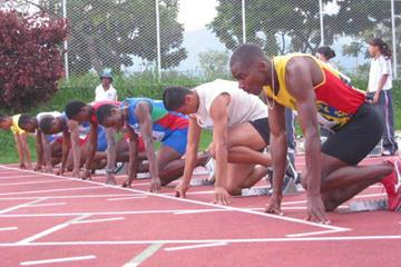 The start of the men's 100m at the Ximena Restrepo Meeting (c)