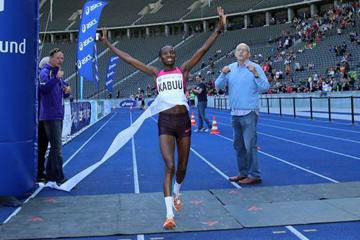 Kenya's Lucy Kabuu wins at the 2013 BIG 25 Berlin race (BERLIN RUNS / Thomas Wenning - organisers)