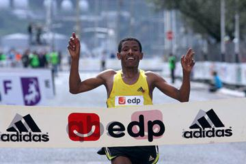 Haile Gebrselassie solo victory in Lisbon (Marcelino Almeida)