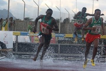Jonathan Ndiku (l) pulls away from Ethiopian Legesse Lemesso en route to the African junior 3000m Steeplechase title in Bambous (Mark Ouma)