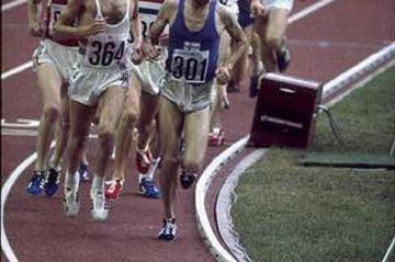 Lasse Viren (301) leads the pack in the 5000m at the 1976 Olympics (Getty Images)