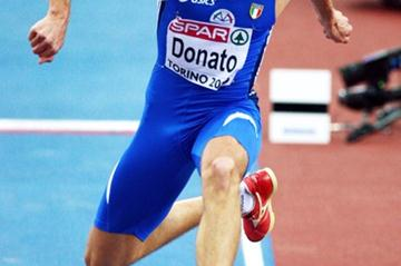 Fabrizio Donato sails to an Italian and meet record of 17.59m at the 2009 European Indoor Champs (Getty Images)